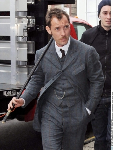 sherlock holmes doesn�t need billy clubs to kick your ass